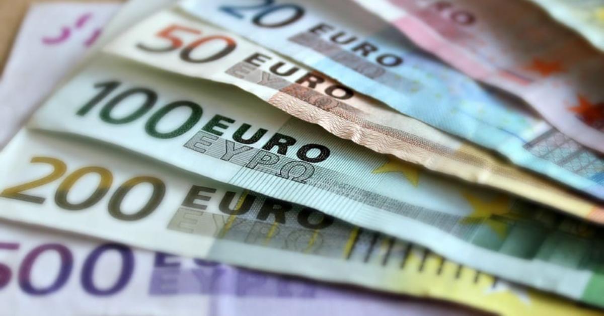 COVID-19 Tunisie : Appel aux banques pour renoncer exceptionnellement à leur commission sur les transferts depuis l'étranger pour aider les familles